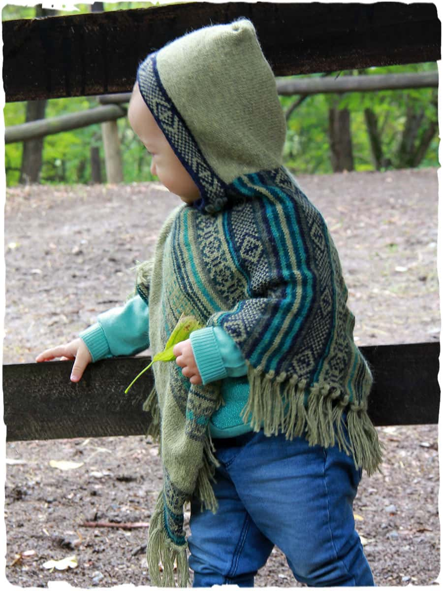 Welcome to The Velvet Acorn, here you will find purely original pattern designs in knit and crochet. Inspired and crafted with my love of nature and the outdoors in mind.