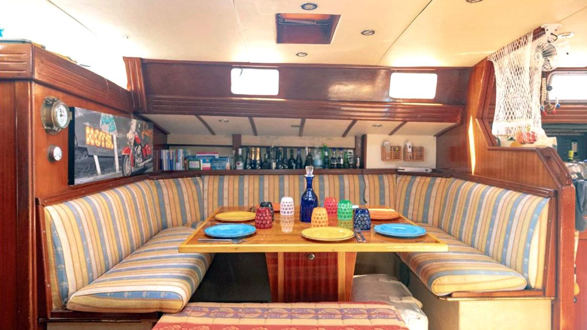 cambusa barca a vela vacanze
